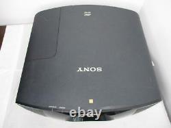 Sony VPL-VW665 VPL-VW665ES 4K SXRD 3D Home Theater Projector READ